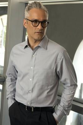 Van Heusen Men's Long Sleeve Button-Up Classic Pincord Shirt
