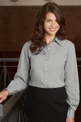Van Heusen Women's Long Sleeve Button-Up Classic Pincord Shirt
